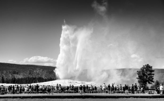 Old Faithful in mid-eruption